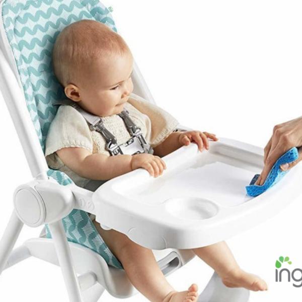 כיסא אוכל ™Yummity Yum Ingenuity קל ומתקפל בקלות